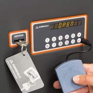 Caja fuerte sobreponer Serie Plus C gama alta con combinación electrónica y llave